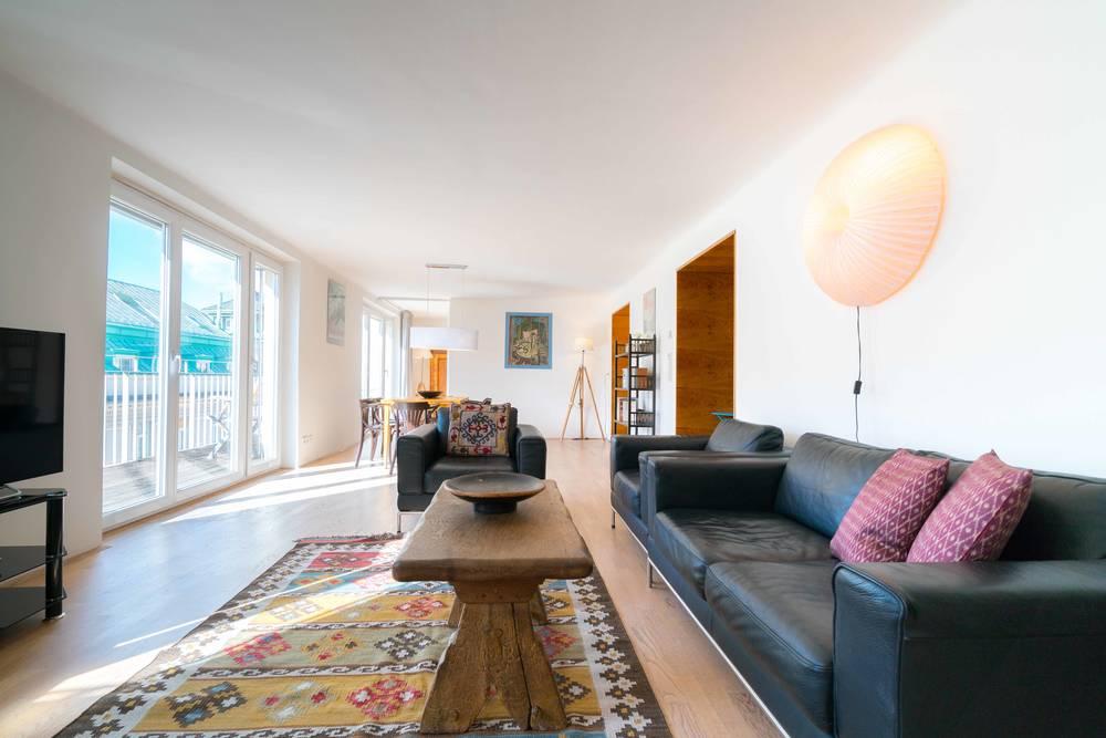 Tolle Designer-Wohnung im 1. Bezirk mit 2 Balkons und Blick auf ...
